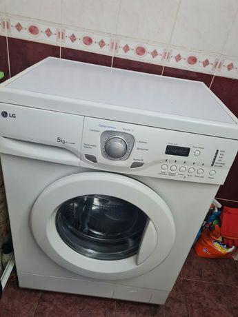 Продам стиральную машину -автомат.