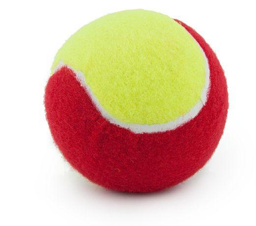Красные, оранжевые и зеленые мячи