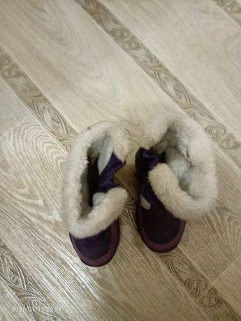 Продам зимние детские сапоги