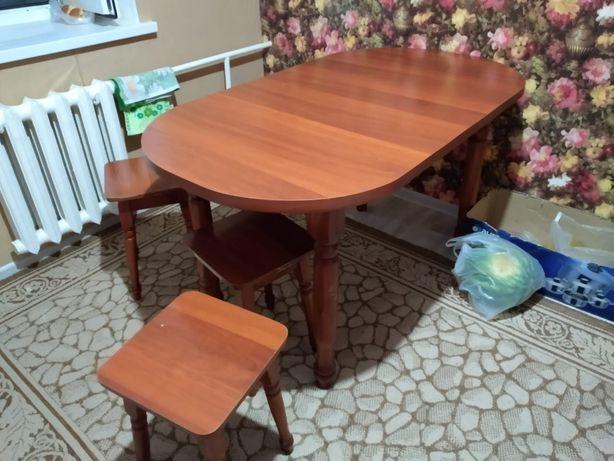 Срочно продам красивый стол