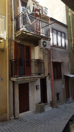 Продавам в Сицилия градска къща
