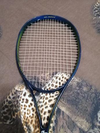 Vând rachetă de tenis pentru juniori plus 4 mingii gratis