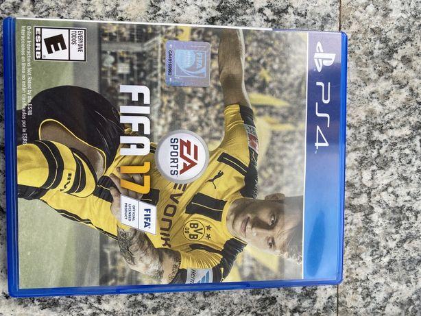 Vând joc FIFA 17 ps4