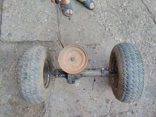 Roti spate tractoras gazon / iarba