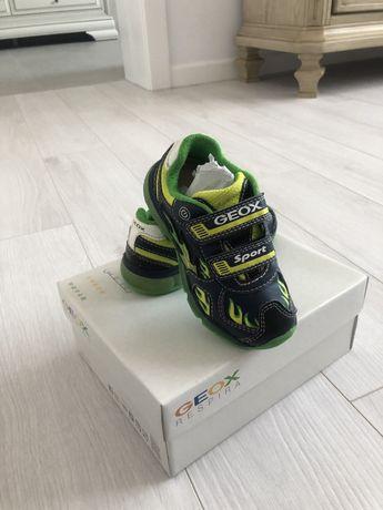 Geox pantofi sport nr. 25