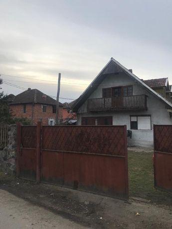 Casa în Suncuius zona centrala cu anexe