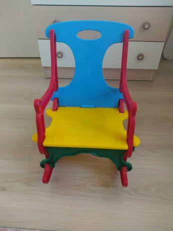 Детски люлеещ се стол