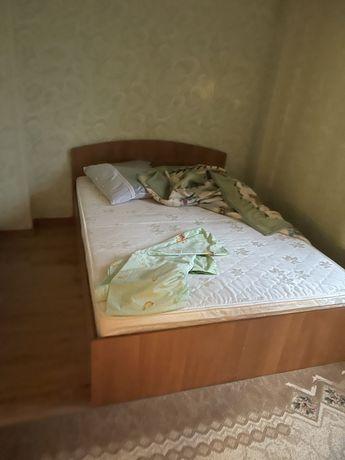 Спальный гарнитур кровать двухспальная + шкаф