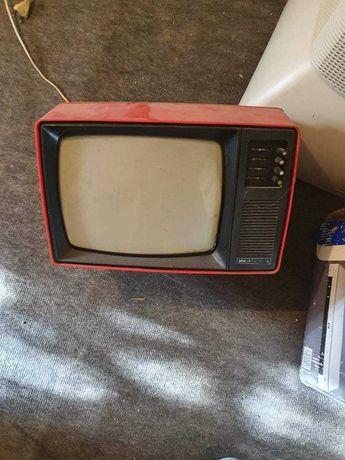 """Продавам телевизор """"Юност - 402 В"""""""
