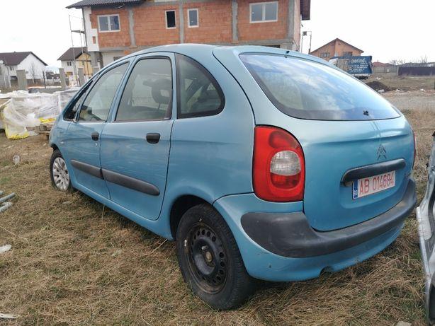Dezmembrez Citroen C3 2004 1.4 benzina Xsara Picasso 1.9 benzina 2004