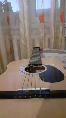 Гитара оригинал в хорошем состояние.  Марка Starsun.Размер барабана 39