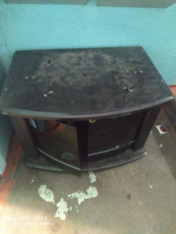 Отдам даром комод под телевизор в хорошем состоянии. Стекла все целые.