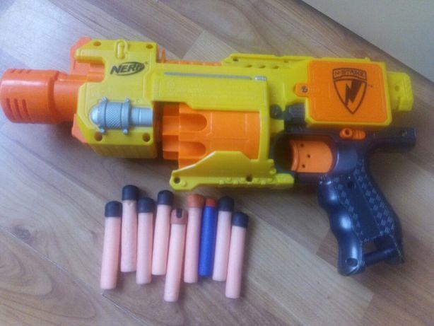 pușca Nerf N-Strike automata