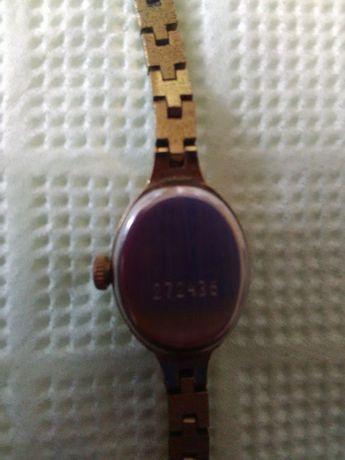 Продавам часовник Чайка(дамски)