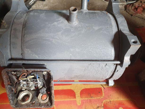 Motor electric agregat Carrier Maxima