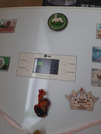 Холодильник марки LG,no frost