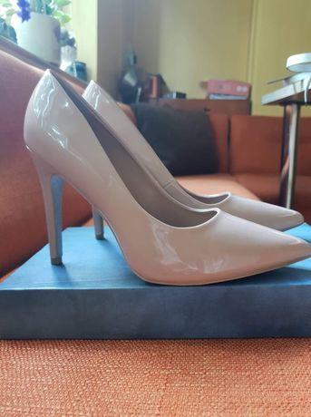 New Look обувки 39н