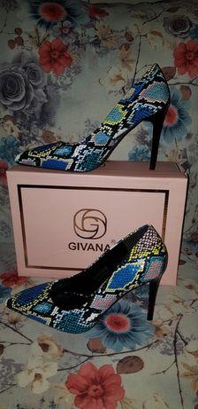 Страхотни обувки