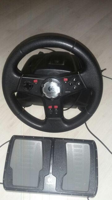 Vând volan Logitech ptr jocuri calculator sau laptop