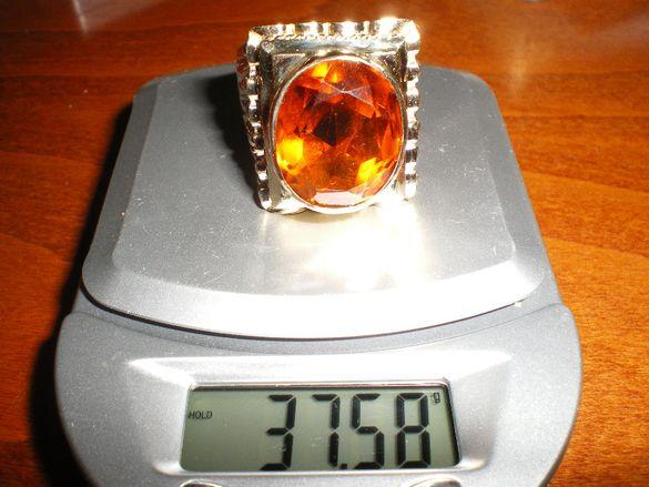 Продавам златен пръстен за ценители нов