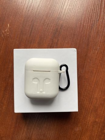 Airpods airpods airpods