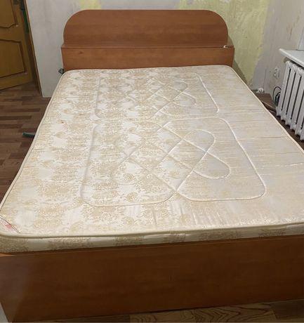 Продам кровать и тумбу