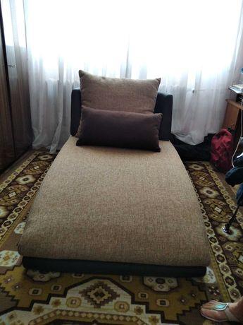 Холна гарнитура-Диван,фотьойл,лежанка.Мн.добро състояние.