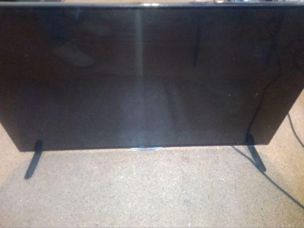 Телевизор LG42UB820V-ZH,  в рабочем состоянии экран разбит
