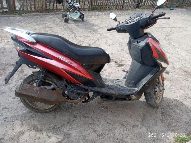 Продам скутер 150к  160000 тг