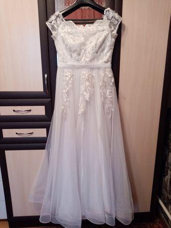 Продам 2 белых платья на свадьбу