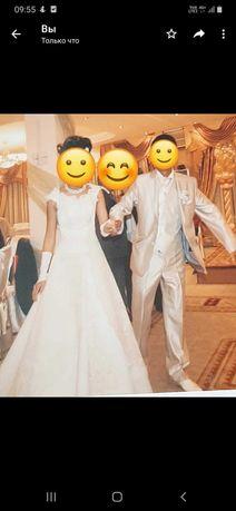 Свадебные платье и костюм