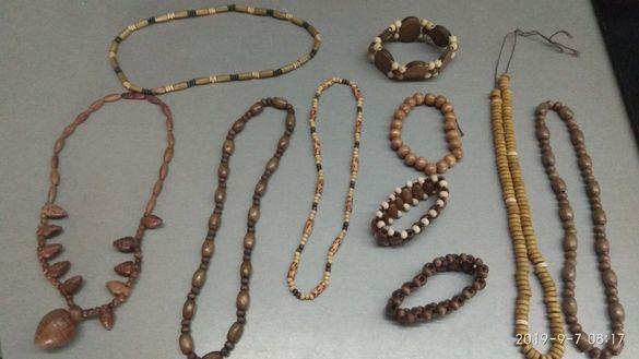 Накити и гривни от дърво