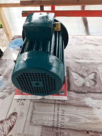 Електрически двигател трифазен