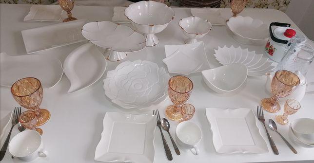Аренда/Прокат столов и стульев с посудой.Аренда цветов. VIP посуда