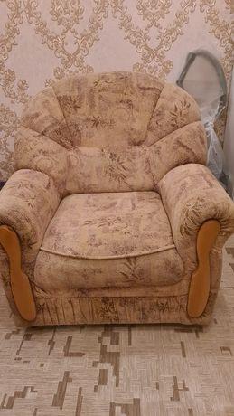 Мебель в зал диван