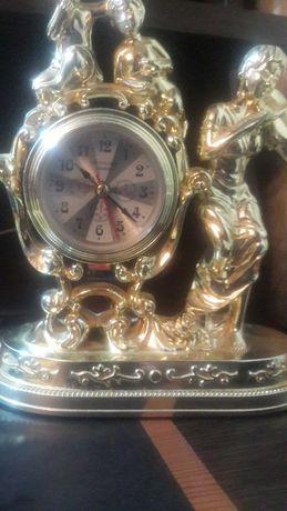 продам настольные красивые часы