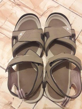 Vand sandale NOI barbati