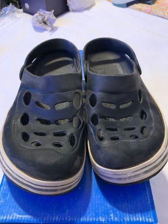 Vind papuci plaja brbatesti,marimea 39-40