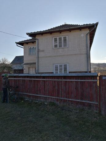 Vând casa în comuna Dofteana