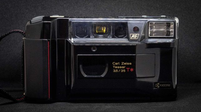 Aparat foto - Point and Shoot - Yashica T2 - 35mm