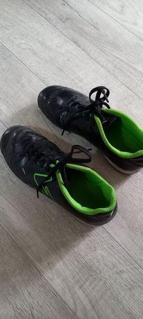 Кроссовки доя футбола