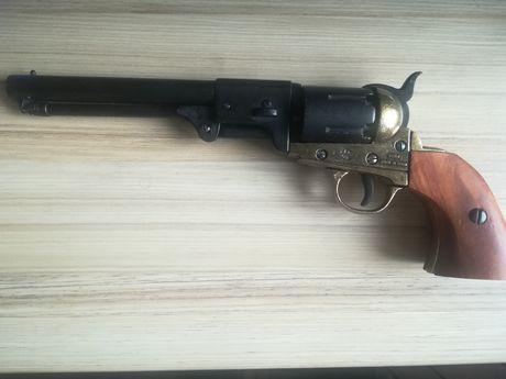 Револвер Nevi на Колт. Заводски нестреляща! Пистолет, пушка