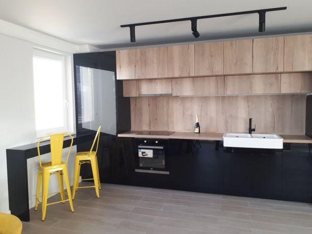 Apartament cu 2 camere Râșnov se oferă spre închiriere, zona Florilor.
