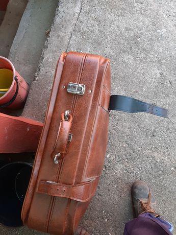 Vând geanta din piele