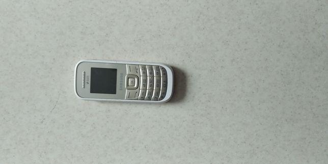 Телефон кнопочный самсунг