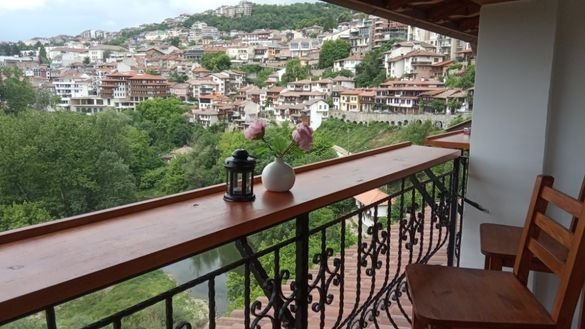 Стаи за гости Tarnovo Studios уникална гледка в идеалния център