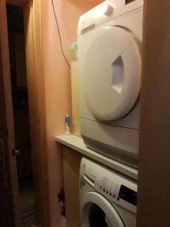 Продавам 2 отделни уреда - пералня и сушилня Electrolux/AEG (в гаранци