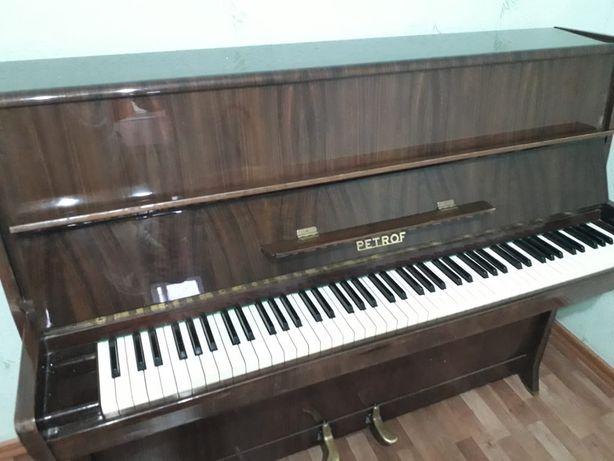 Продам пианино Petrof (Чехия)