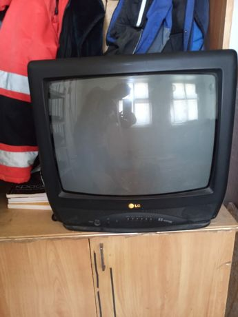 Телевизор LG цветной экран
