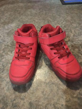 Ботинки детские продам